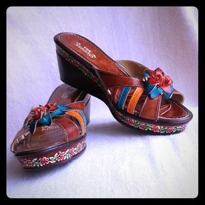 Via Veneto Leather Sandal Slides NWOT